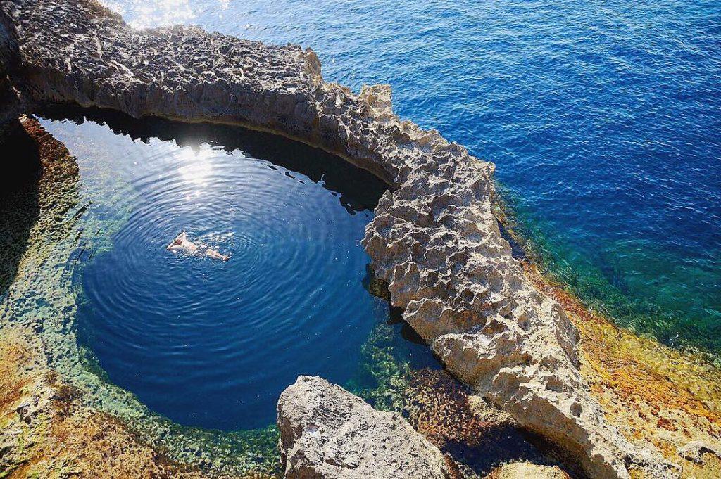 Foto da Blue Hole em Malta - GTA Seguro Viagem