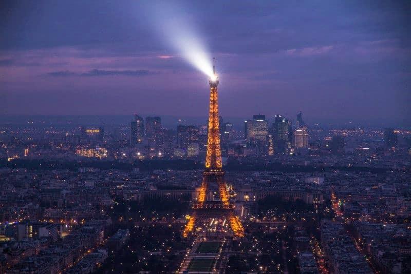 Não tem como não pensar na França sem pensar na Torre Eifel em Paris - a vista a linda! Foto: Diego Imai - Seguro viagem França