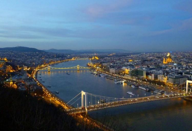 Seguro Viagem Hungria – quanto custa, como contratar e dicas dos melhores preços
