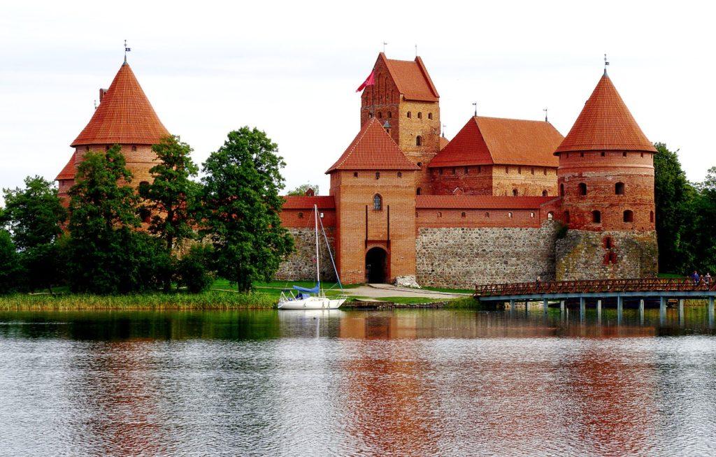 Castelo de Trakai, na Lituânia. Um dos pontos turísticos do país.